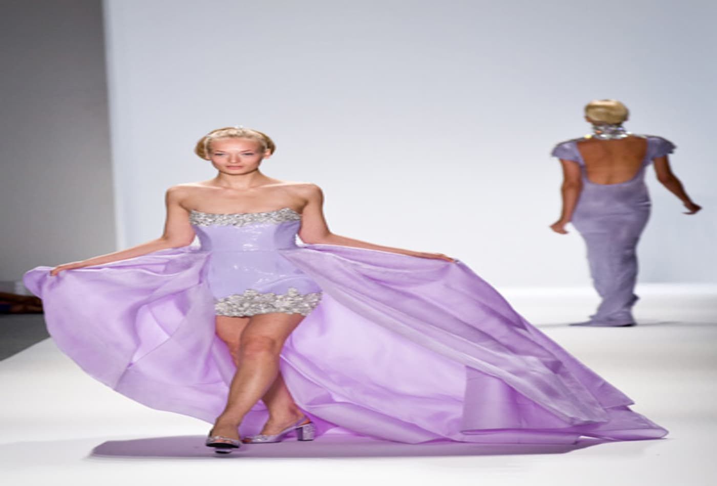 Mercedes-Benz-Fashion-week-2012-zangtoi-pastels.jpg
