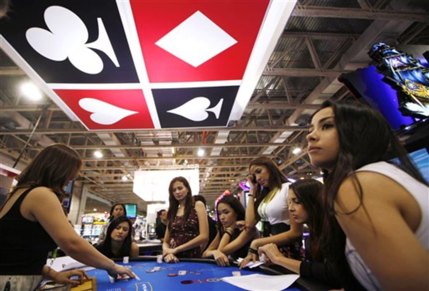 macau asia gambling on casinos -1331414903_v2.jpg